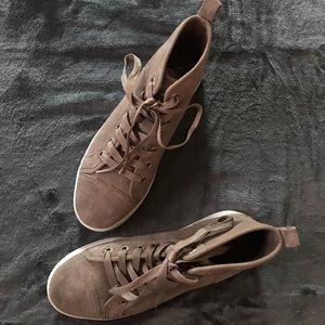NWOT Koolaburra by Ugg High Top Kellen Sneakers